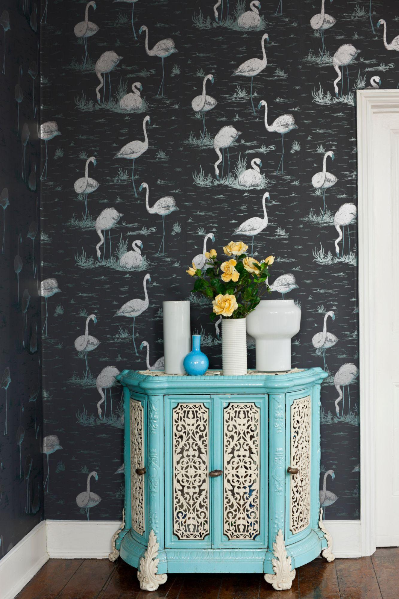 Image of   Flamingos - Grey