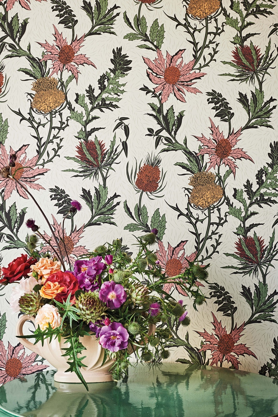 Thistle - Flower pattern - Cole & Son Wallpaper